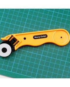 Dafa Rotary Cutter 28mm and Spare Blades